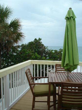 Pearl Beach Inn: Our Deck on Room #10