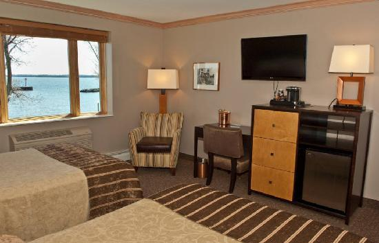 The Bayfield Inn: Lakeside Guest Room