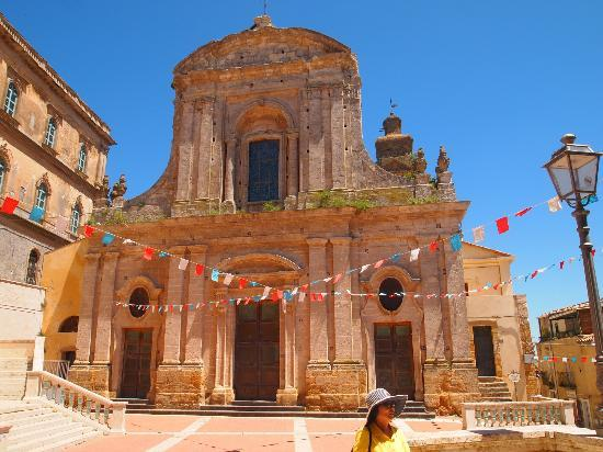 Caltagirone, İtalya: The facade of the Santa Maria del Monte