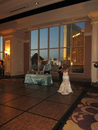 Mandalay Bay Wedding Chapels: Our Palm Foyer Reception