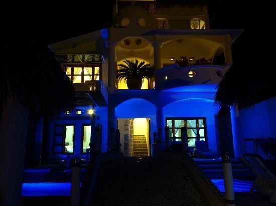 Quinta Lili: Quinta Lili at night
