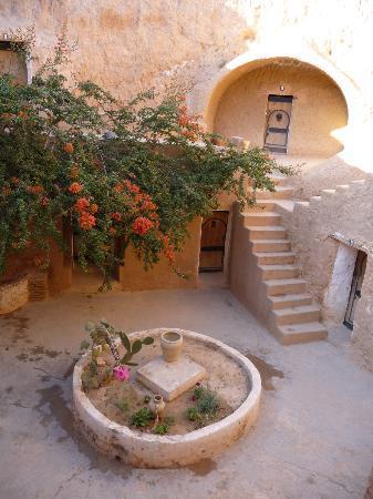 Hotel Marhala: Outside rooms