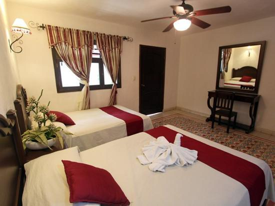 hotel colonial la aurora