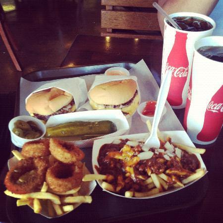 Bubba Burgers: Bubba's Burger's! Yum!