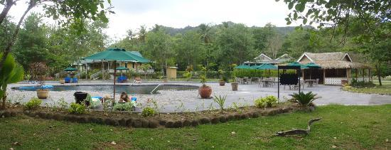 Rosalie Bay Resort: pool area