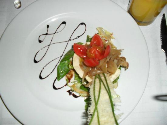 Santiago's Restaurant: Gruyere and Caramelized Onion Tartlet