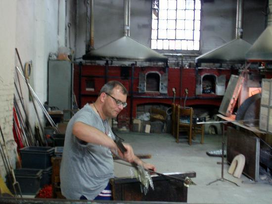 Vecchia Murano : Working Hard