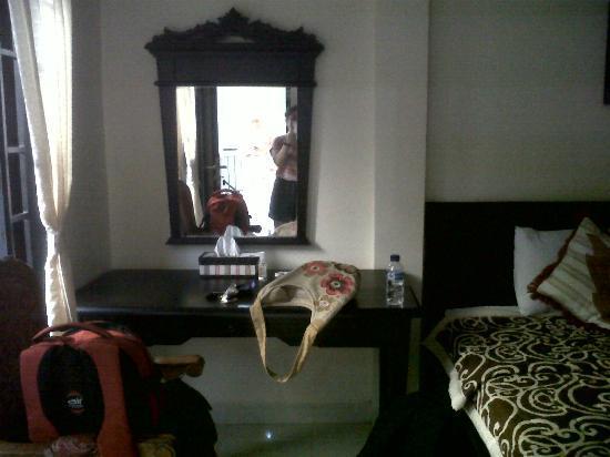 Gong Segara Homestay : room