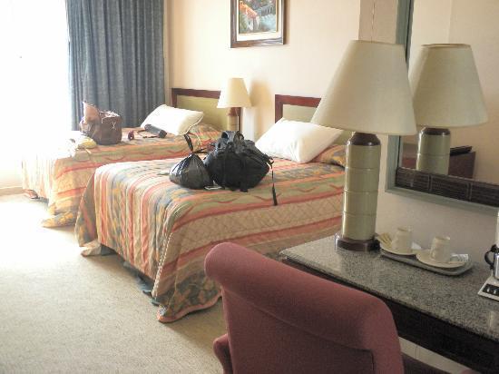 Hotel Honduras Maya: Room on 4th floor