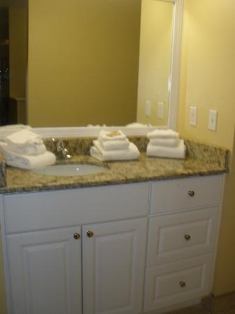 Villas at Fortune Place: upstairs sink/bathroom area