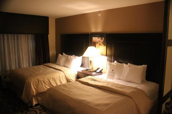Comfort Suites Lexington: 2 queen beds