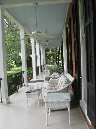 Brampton Bed and Breakfast Inn: view of the wrap around porch