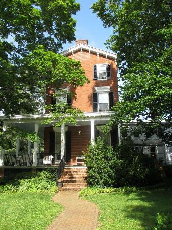 Brampton Bed and Breakfast Inn : beautiful 19th Century home