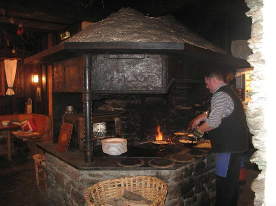 Schmaranzbräu: all is cooked in front of you