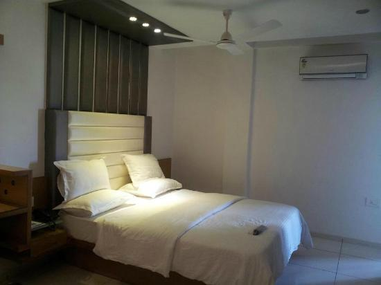 Hotel Kalash Residency: room