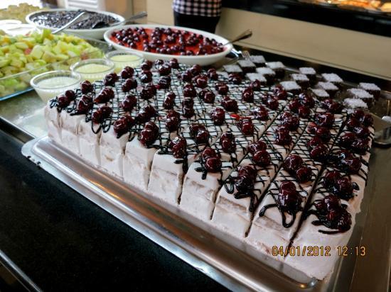 Goreme Kaya Hotel: yummy cake