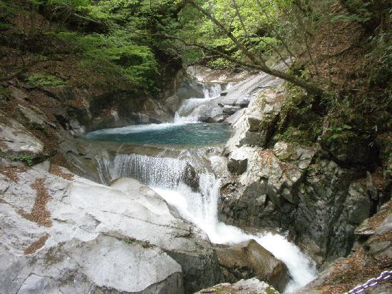 Nishizawa Canyon: 西沢渓谷の醍醐味 滝と青い水 ①