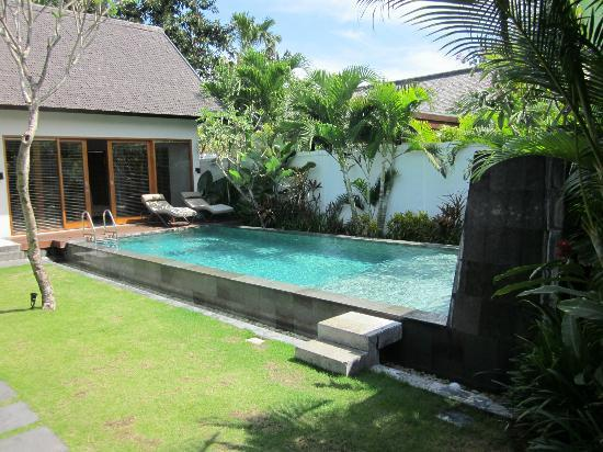 The Samaya Bali Seminyak: What a wonderful day to go for a dip in the pool