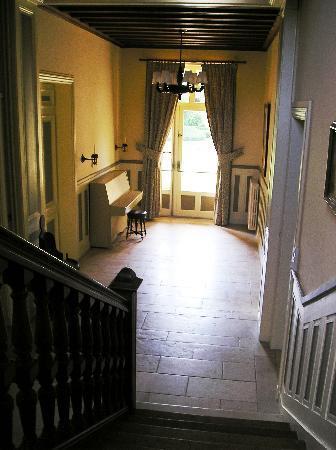 Le Pavillon de St. Agnan: Hallway Pavillon