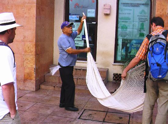 Hotel Colonial: hammocks fair continue