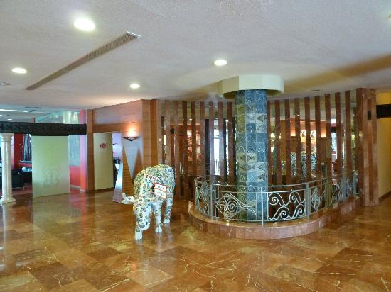 Royal Al-Andalus: hall hotel 1