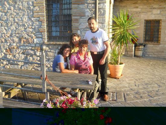 Fiastra, Italien: Pausa caffè con foto ricordo.