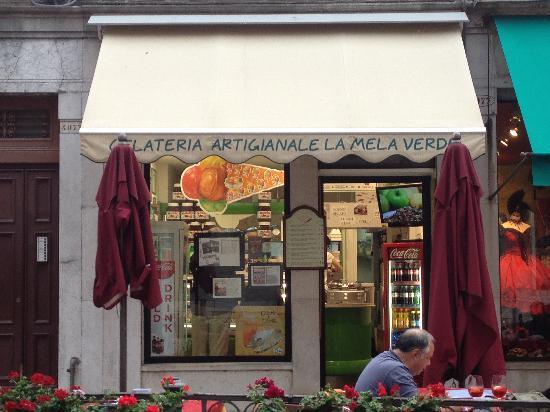 La Mela Verde: the gelateria !!!