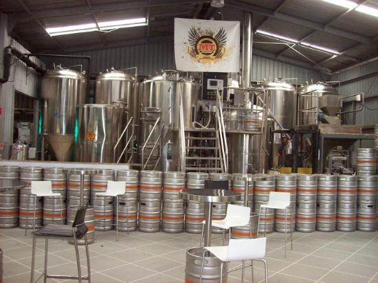 Tamborine Mountain Tours: Mount Tamborine Brewery