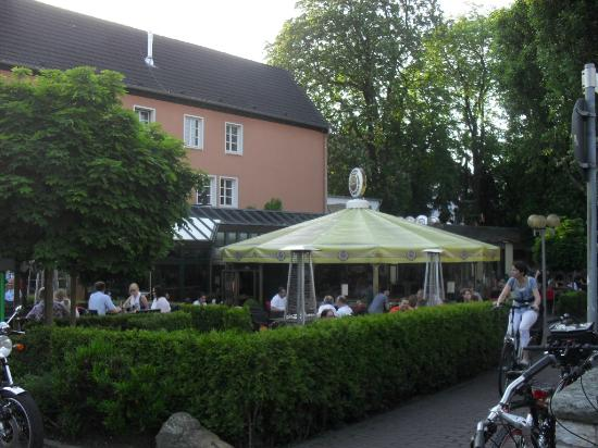 Deutsches Haus : Good location to socialise and experience German cuisine
