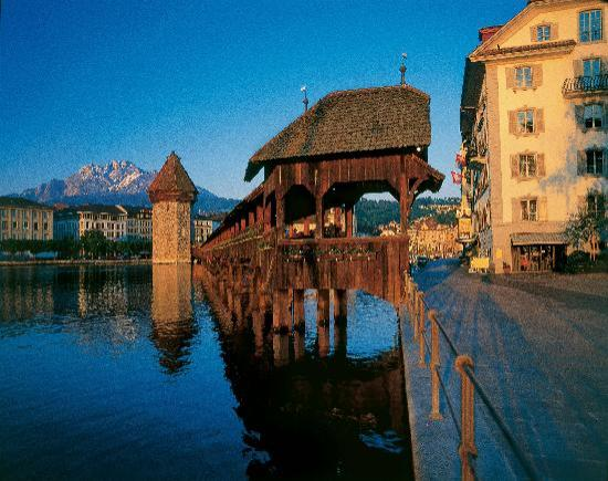 Schweiz: Lucerne with Chapel Bridge