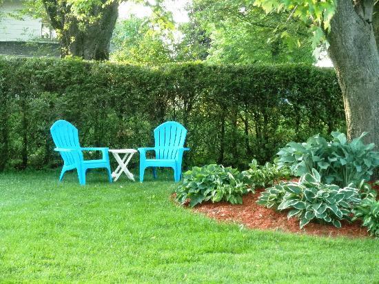 Elizabeth Manor Bed and Breakfast: Relaxing