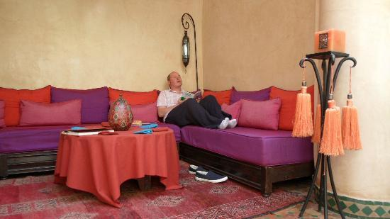 Riad Dar Dialkoum: Another place to lounge.