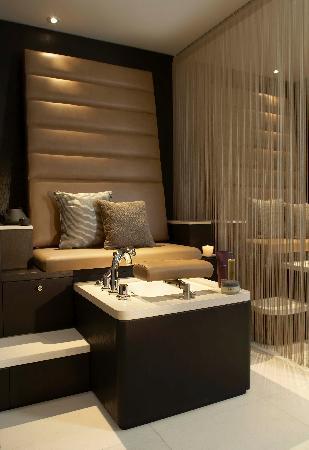 The Europe Hotel & Resort: Pedicure Throne