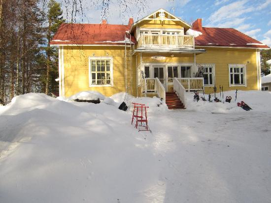 Finlandia oriental, Finlandia: Majatalo Pihlajapuu