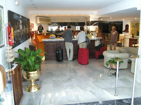 Hotel Carabela: Die Rezeption