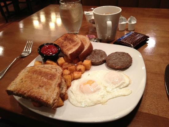 Four Points by Sheraton Asheville Downtown: Industrial breakfast served with a smile. Tasted better than it looked.