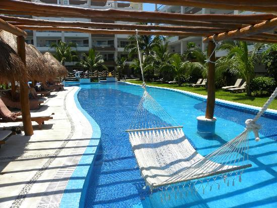 Excellence Playa Mujeres: winding pools
