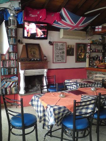 Yadim Studios & Apartments: bar