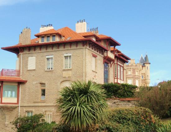 Μπιαρίτζ, Γαλλία: Vue sur la villa  Mira ~ Sol  & la Roche Ronde, Biarritz