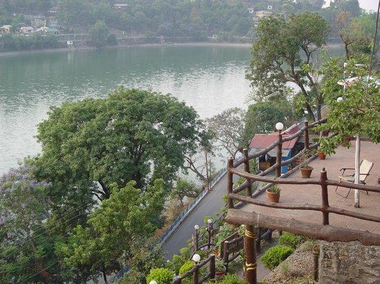 Van Vilas Resort: The magnificent lake Bhimtal