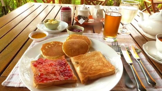 The Imperial River House Resort : Continental breakfast