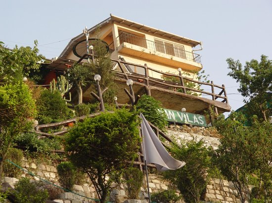 Van Vilas Resort : The hotel from outside
