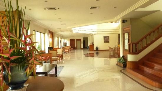 The Imperial River House Resort: Hotel lobby