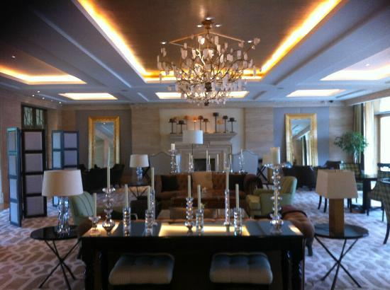 The Europe Hotel & Resort: The lounge