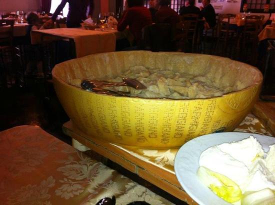 Oliveto Citra, Italy: Granaaa