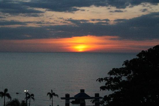 San Fernando La Union, Philippines: SUNSET