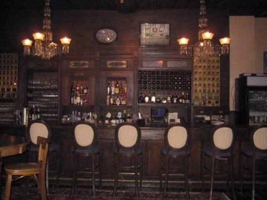 Emily's: Old Post Office Bar
