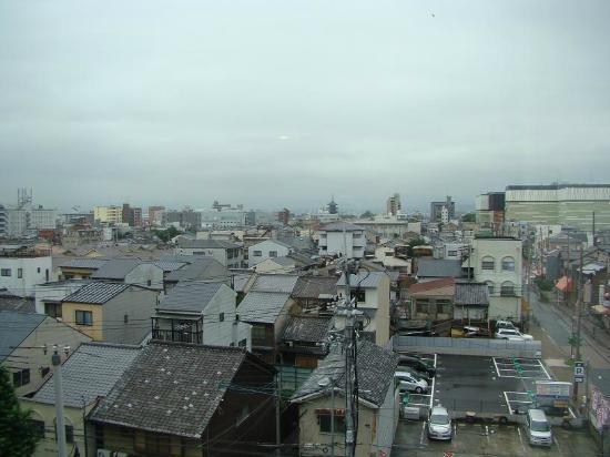 โรงแรมไดว่ารอยเนต เกียวโต-ฮาจิกุจิ: Vistas de un día nublado