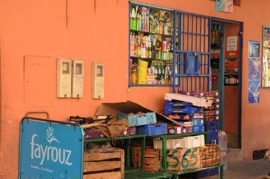 Les Trois Palmiers: Corner shop-very handy