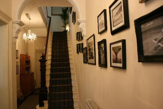 The Hedley Townhouse : Entrance hallway